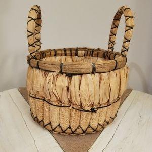 Vintage | Hand Woven Primitive Corn Cobb Basket